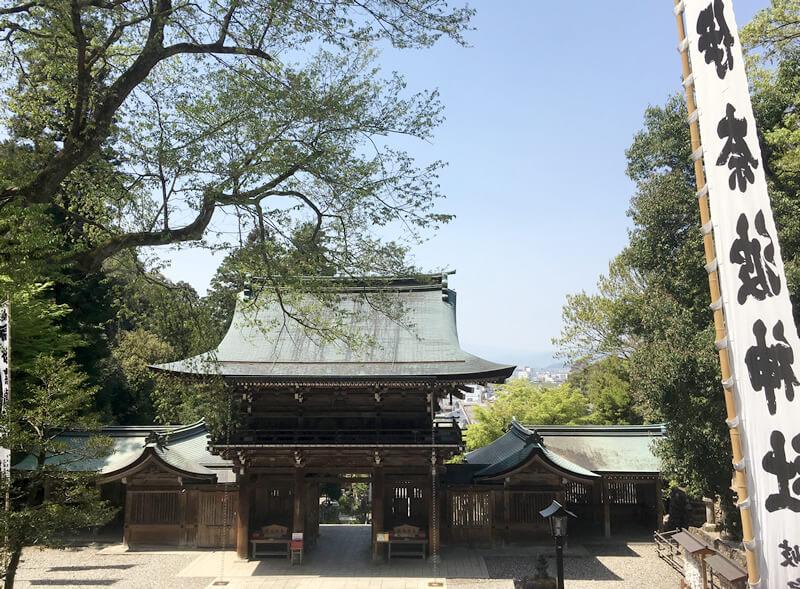 伊奈波神社 拝殿までは階段